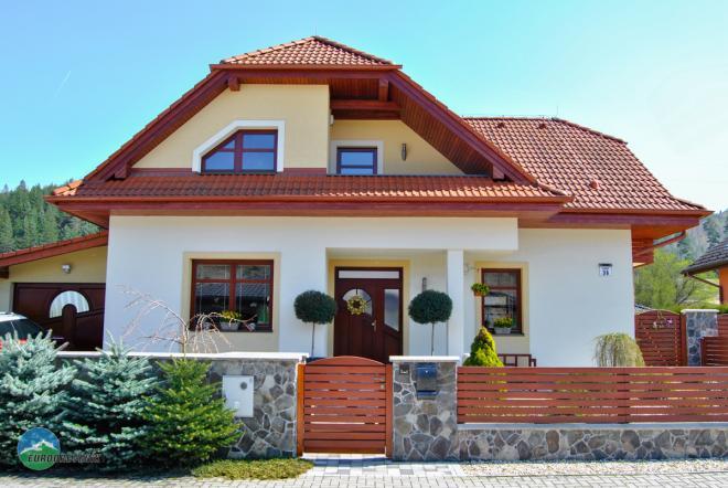 Referencie novostavba drevené okná, dvere, presklenné steny trojsklo